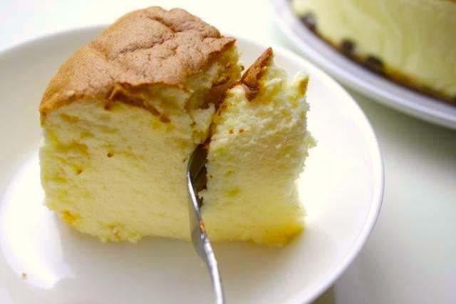 チーズケーキのカット