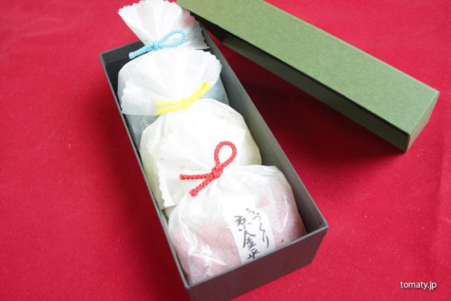 箱に綺麗に並べられた金平糖