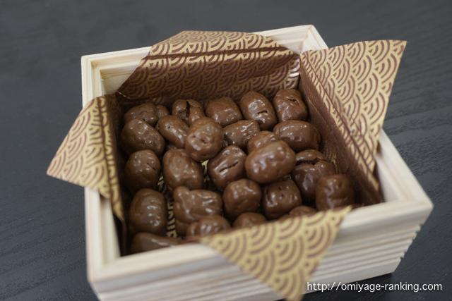 木箱にチョコレートを入れてみました
