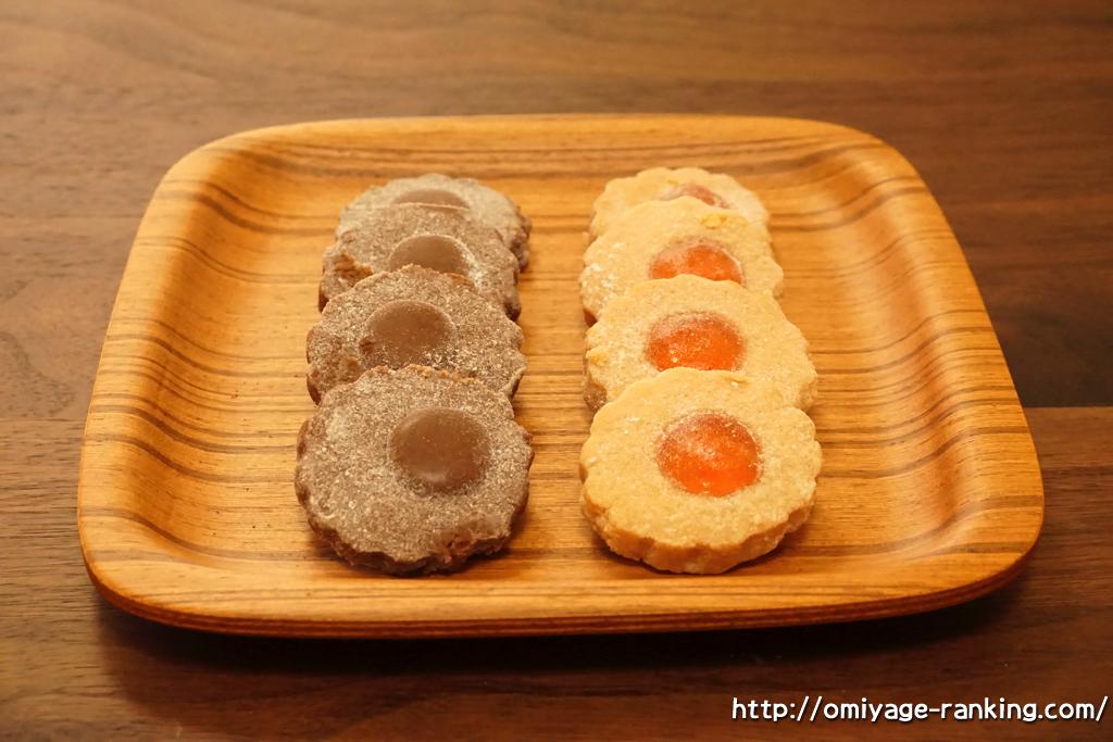 兵庫県西宮市夙川_ミッシェルバッハ_夙川クッキーローゼ_お皿に並べてみた